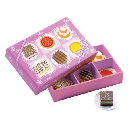Drewniane ciasteczka w różowym pudełeczku - ciastka do kuchni lub cukierni DJECO
