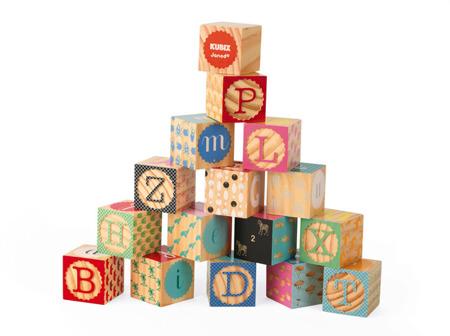Klocki drewniane Kubix 16 sztuk Alfabet - duże 4,5 x 4,5 cm, JANOD